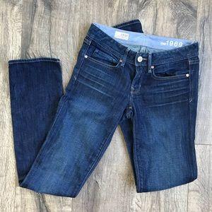EUC GAP 1969 Real Straight Women's Jeans